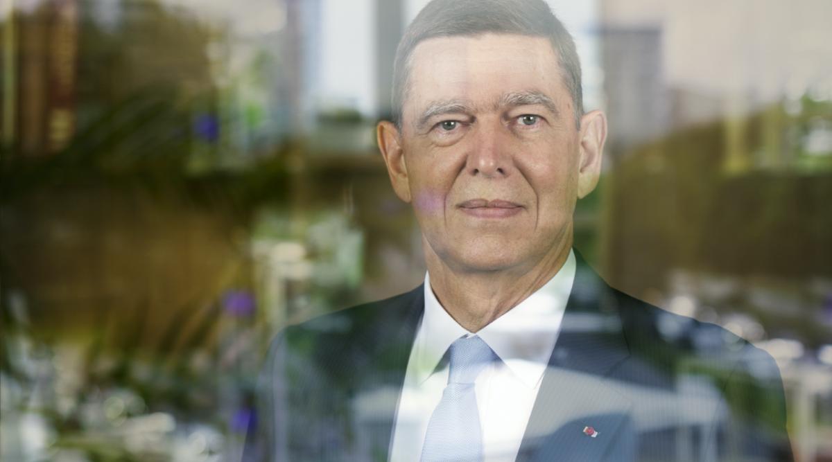 Le Général Stéphane Abrial chez Hague France Conseil